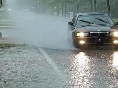 maltempo_auto_pioggia.jpg