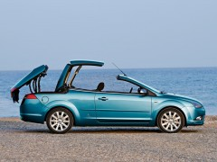 ford-focus-coupe-cabriolet.jpg